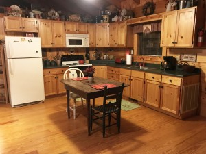 Mountain-Thyme-kitchen 1
