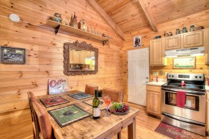simply-serene-cabin-kitchen-001